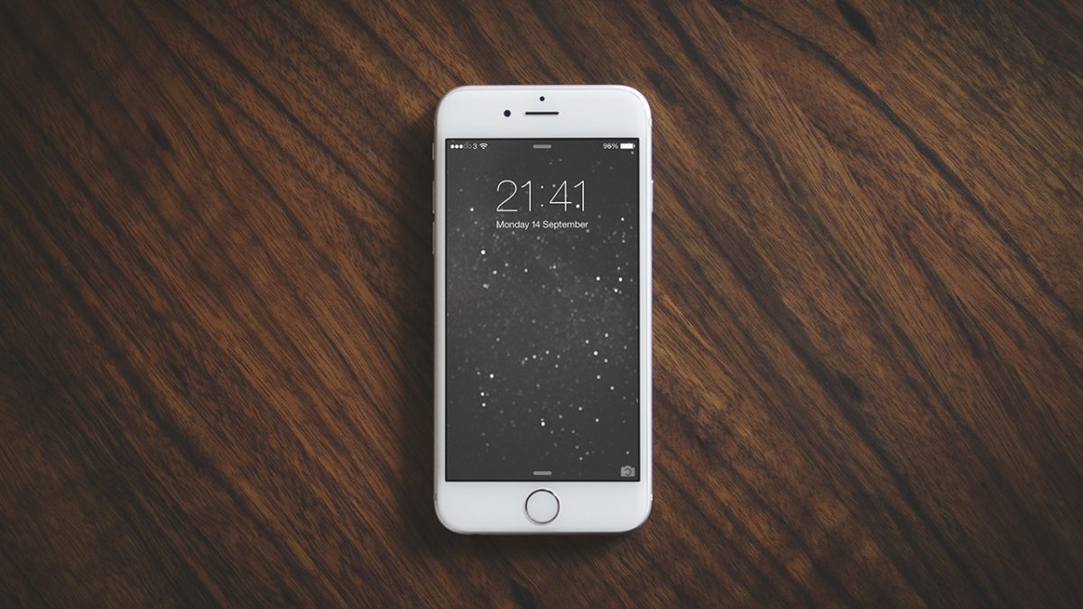 iPhone Photography Mock-Up Freebie