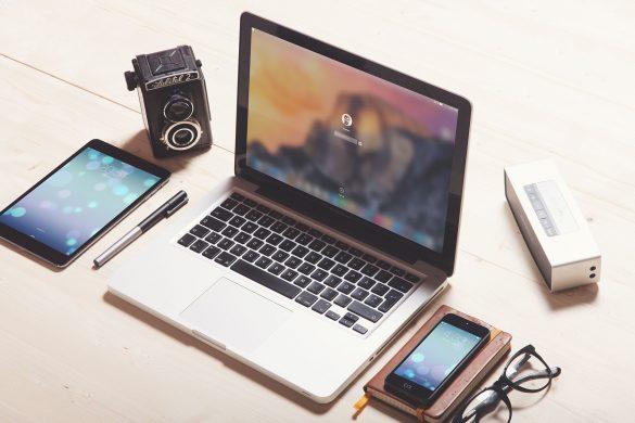 Responsive Apple Photography PSD Mock-Up Freebie